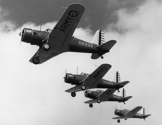 BT-13A_Valiants_in_flight_c1941